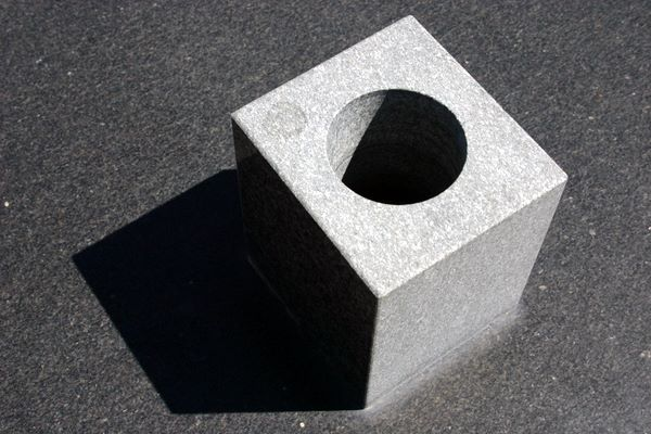 circle hole in cube